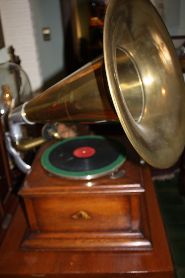 Grammophon His Master Voice