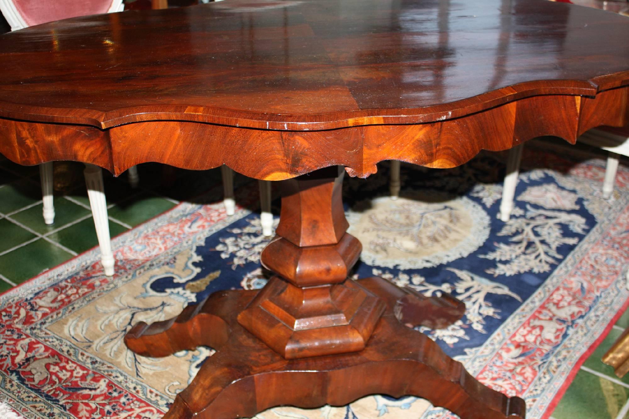 Tisch 19